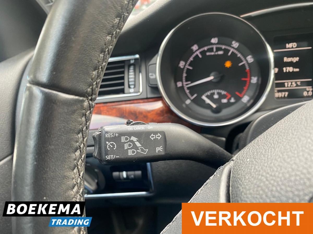 Škoda Superb full